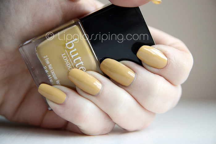 Butter London - Bumster NOTD - A Makeup & Beauty Blog - Lipglossiping