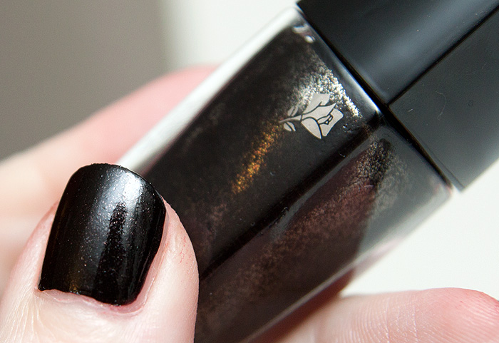 a makeup beauty blog lipglossiping blog archive lancome fall 2011 le vernis nail polish. Black Bedroom Furniture Sets. Home Design Ideas