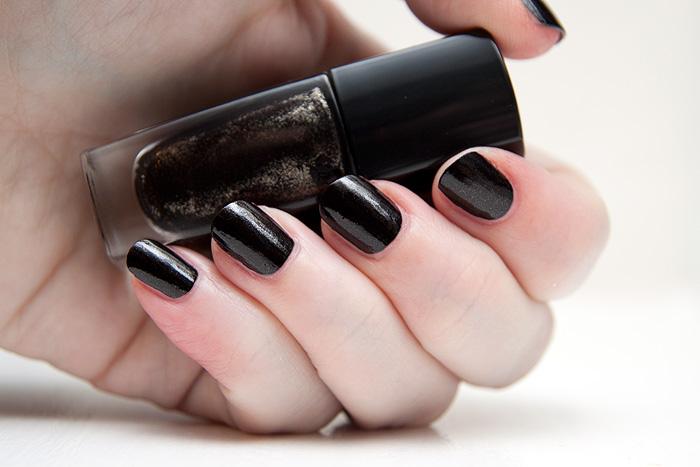 a makeup beauty blog lipglossiping blog archive lancome fall 2011 le vernis nail polish. Black Bedroom Furniture Sets. Home Design Ideas