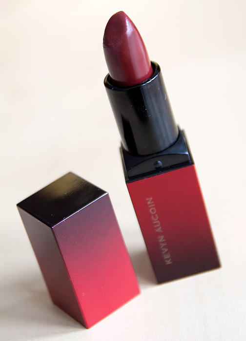 kevyn-aucoin-blood-roses