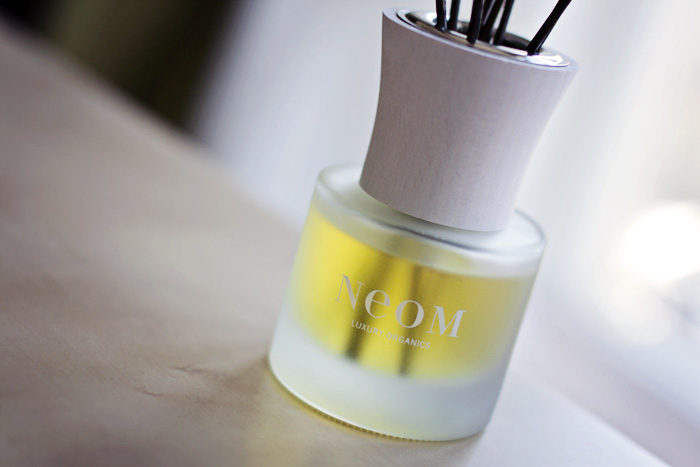 Neom Organic Reed Diffuser in Sumptuous_02