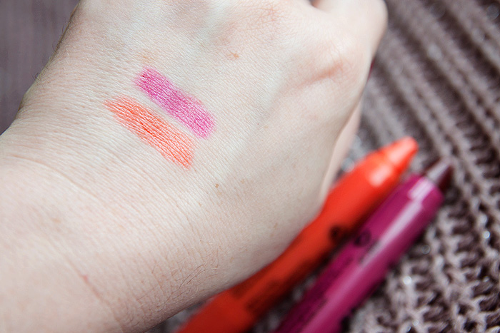 Boots Seventeen Lip Crayon in Bold Knockout Swatch_02