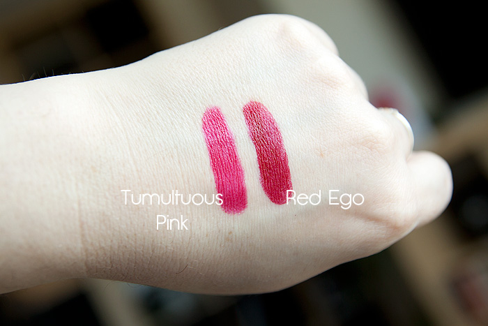 Estee Lauder Pure Color Envy Sculpting Lipstick in Red Ego and Tumultuous Pink Review Swatch 03