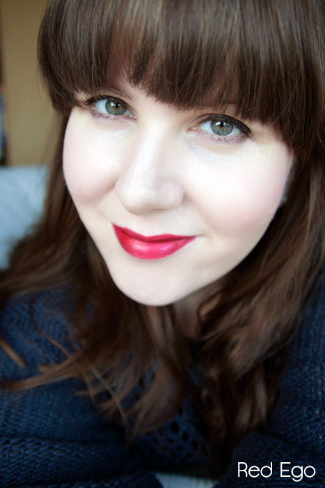 Estee Lauder Pure Color Envy Sculpting Lipstick in Red Ego and Tumultuous Pink Review Swatch 05