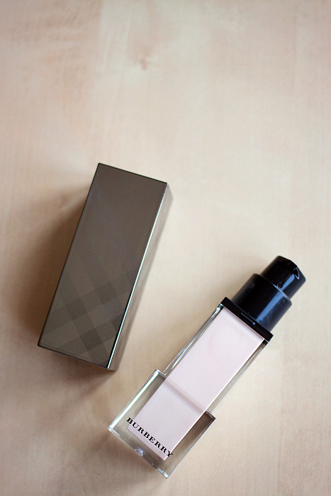 Burberry Fresh Glow Base Fluid 01 3