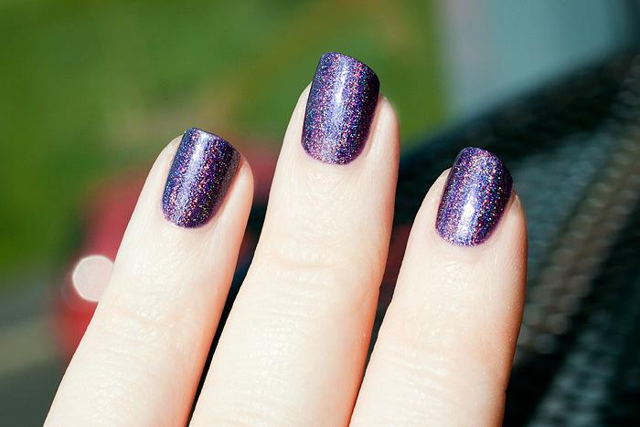 Layla Cloudy Violet NOTD 2